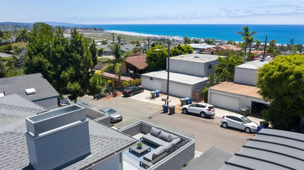 Photo of 2335 Cambridge Ave., Cardiff by the Sea, CA 92007 (MLS # 200028633)