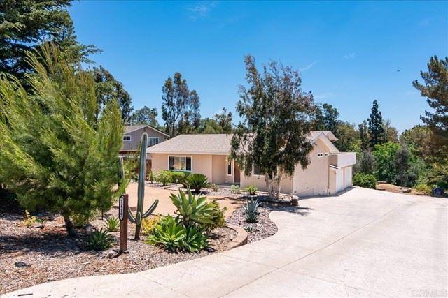 Photo of 1415 Via Feliz, Fallbrook, CA 92028 (MLS # NDP2106635)