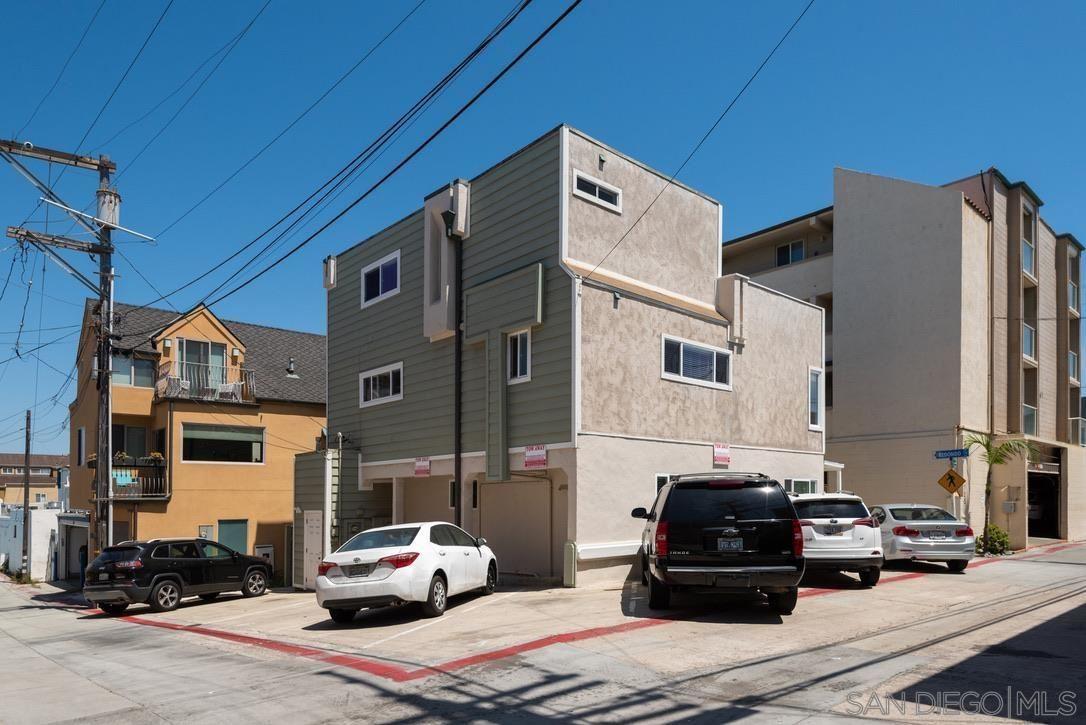 Photo of 718-720 Redondo Ct, San Diego, CA 92109 (MLS # 210015638)