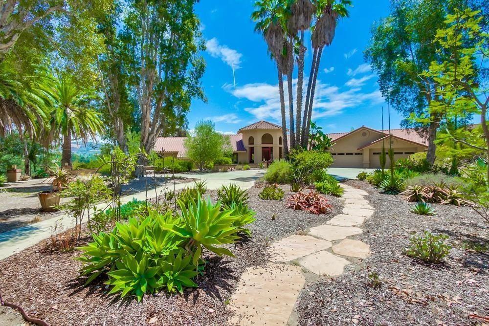 Photo of 13595 Del Poniente Rd, Poway, CA 92064 (MLS # 210021649)