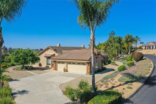 Photo of 1255 Palomares Ct, Fallbrook, CA 92028 (MLS # 210016654)