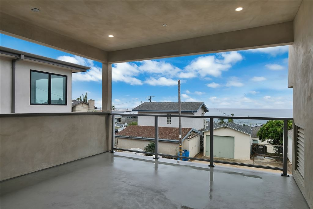 Photo of 2180 Glasgow Ave, Cardiff By The Sea, CA 92007 (MLS # 200026659)
