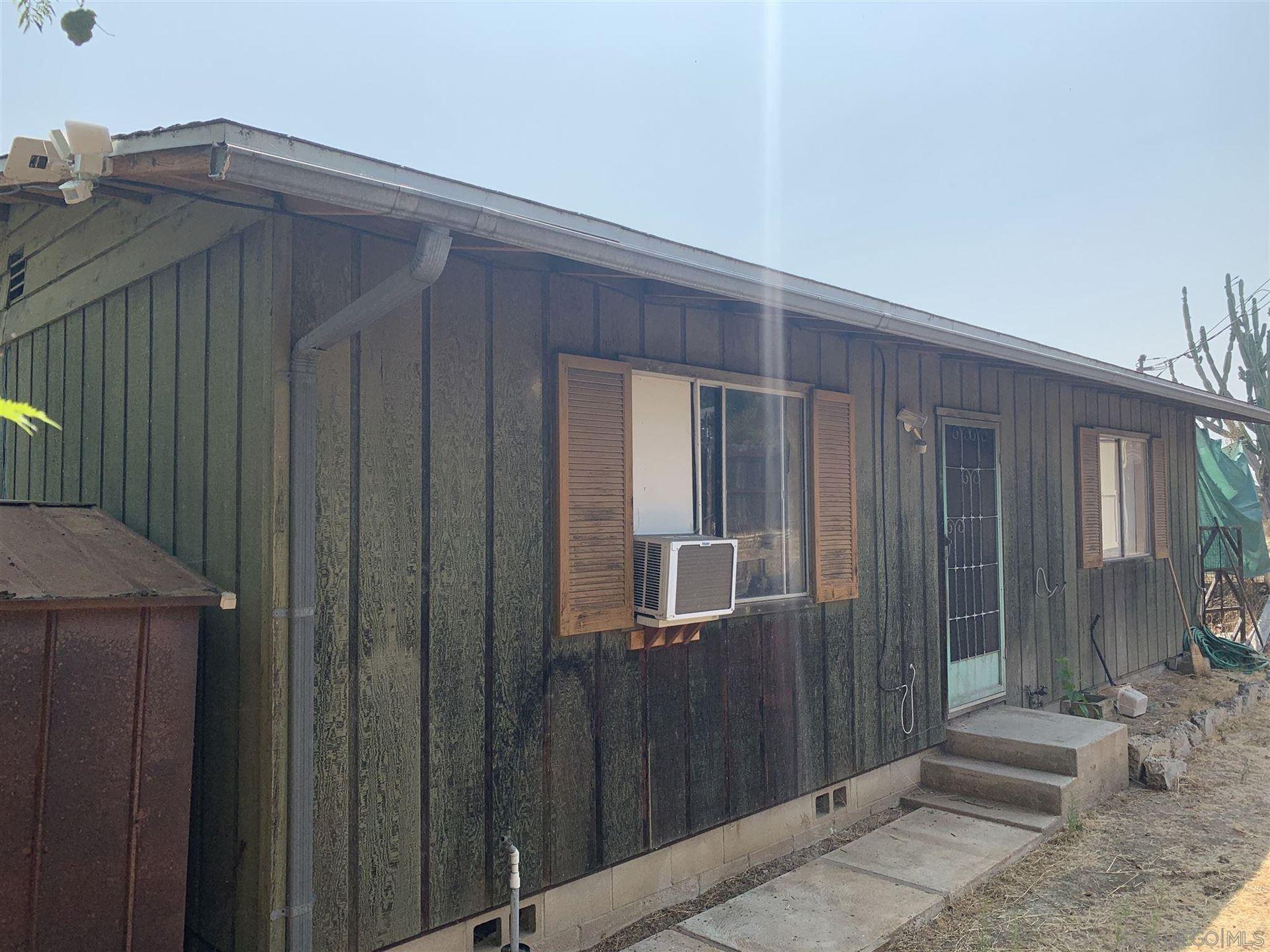 Photo of 2310 Bella Vista dr, vista, CA 92084 (MLS # 200046659)