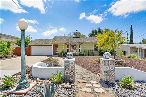 Photo of 923 Park Hill Dr, Escondido, CA 92025 (MLS # 210012662)