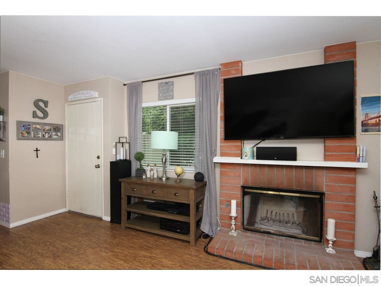 Photo of 13625 Comuna Dr, Poway, CA 92064 (MLS # 210009663)
