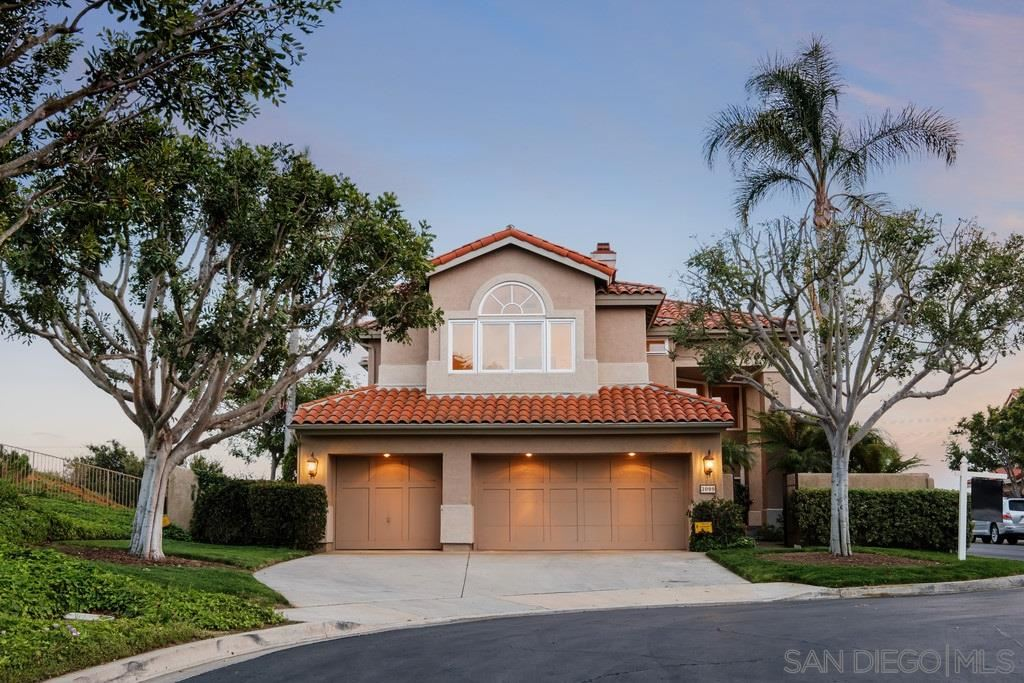 Photo of 3099 Caminito Sagunto, Del Mar, CA 92014 (MLS # 210008670)