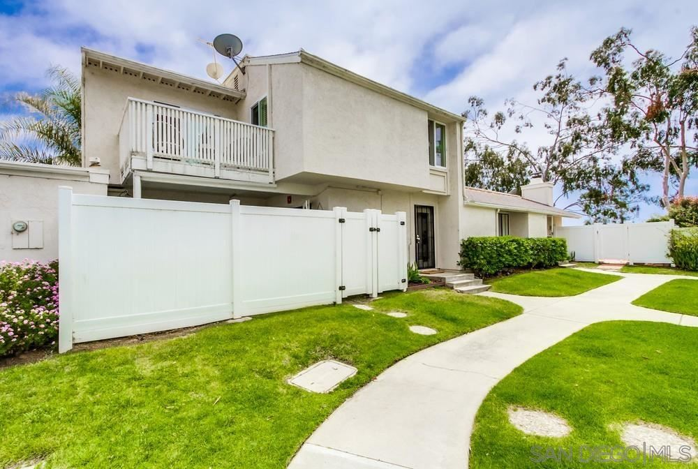 Photo of 1063 Woodlake Dr, Cardiff By The Sea, CA 92007 (MLS # 210013671)