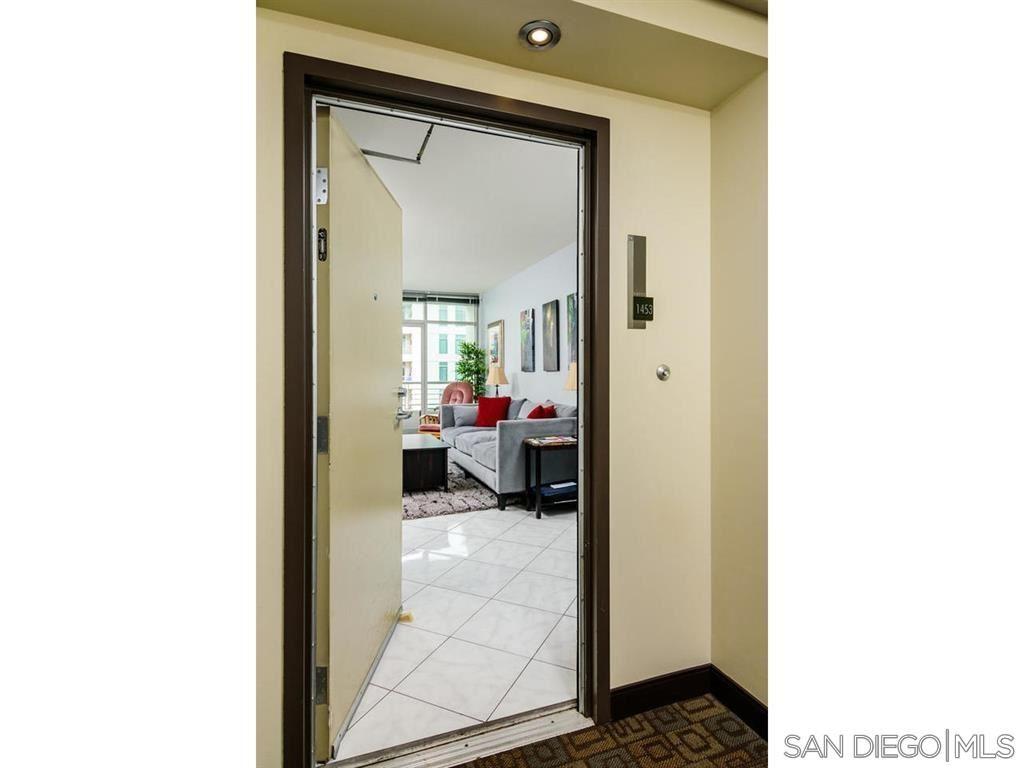 Photo for 425 W Beech #1453, San Diego, CA 92101 (MLS # 210008672)