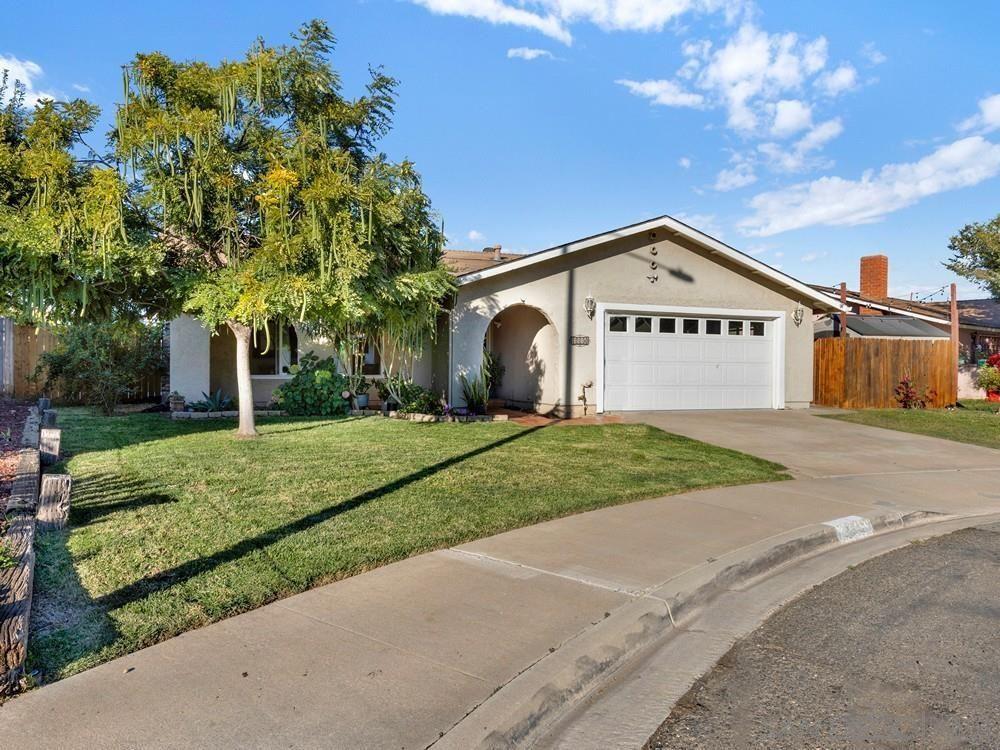 Photo of 1318 Woodland Ct, San Marcos, CA 92069 (MLS # 210029672)