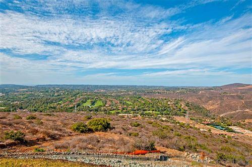 Photo of 1 Camino De Arriba, Rancho Santa Fe, CA 92067 (MLS # 180062674)