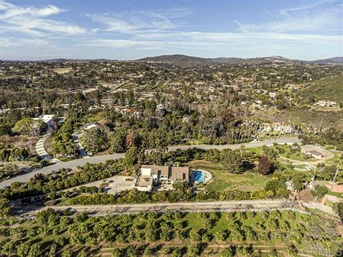 Photo of 3241 CIRCA DE TIERRA, Encinitas, CA 92024 (MLS # 200007674)