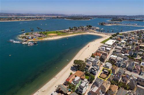 Photo of 3812 Bayside Ln, San Diego, CA 92109 (MLS # 200037683)