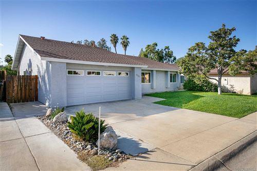 Photo of 839 Willow Tree Ln, Fallbrook, CA 92028 (MLS # 210029684)