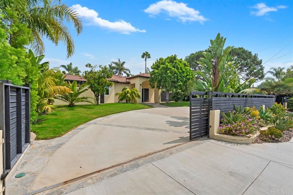 Photo of 1019 BALOUR DRIVE, Encinitas, CA 92024 (MLS # 200044685)