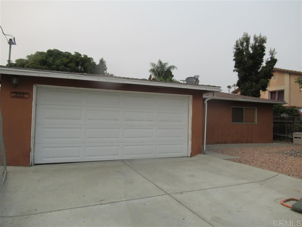 Photo of 532 W California AVe, Vista, CA 92083 (MLS # 200043690)