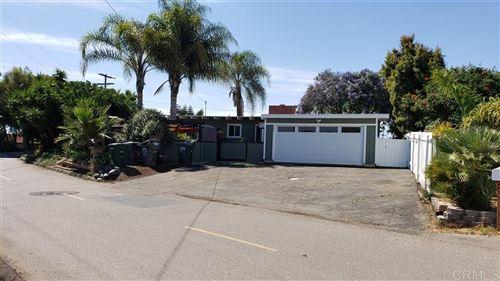 Photo of 207 Knoll Road, Vista, CA 92083 (MLS # 200026691)