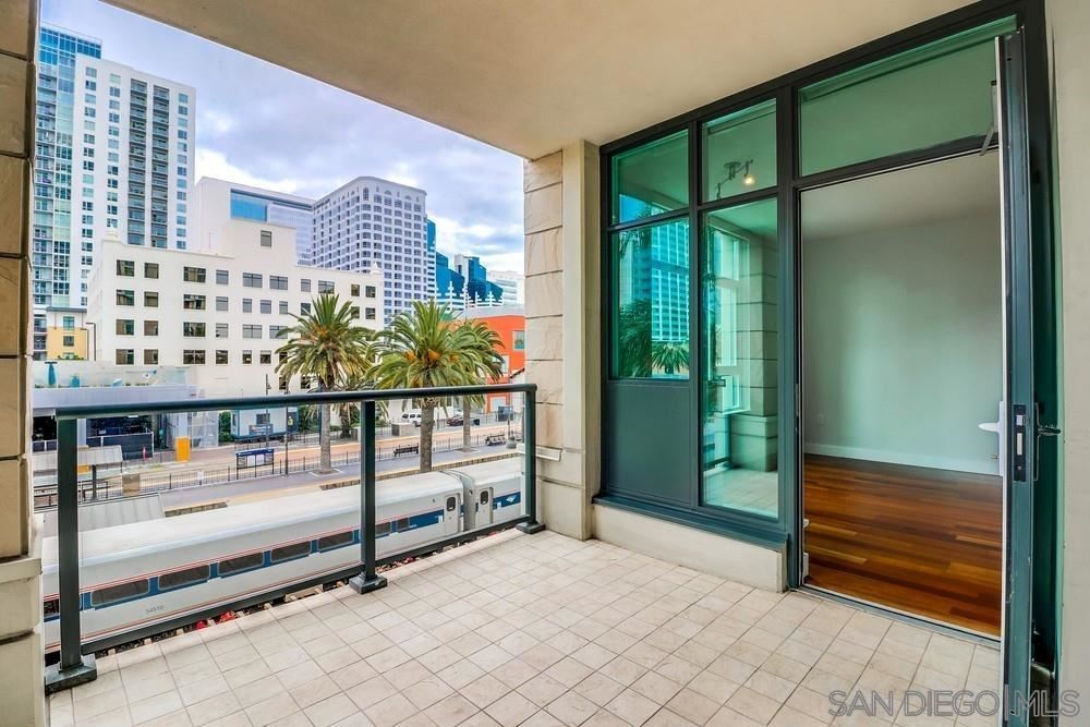 Photo for 1205 Pacific Hwy #404, San Diego, CA 92101 (MLS # 210003692)