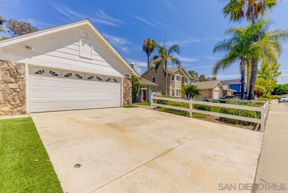 Photo of 3688 Cameo Dr, Oceanside, CA 92056 (MLS # 210021692)