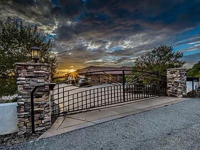 Photo for 2687 Via Rancheros, Fallbrook, CA 92028 (MLS # NDP2110696)