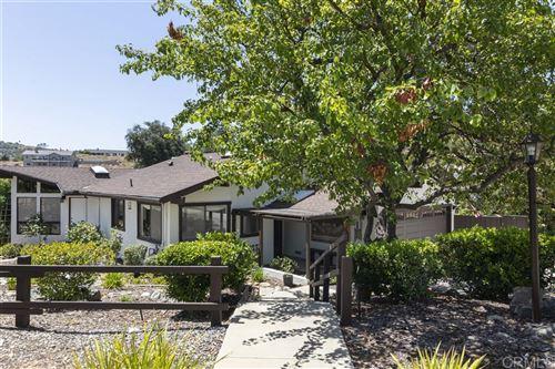 Photo of 3550 Laketree Dr, Fallbrook, CA 92028 (MLS # 200031697)
