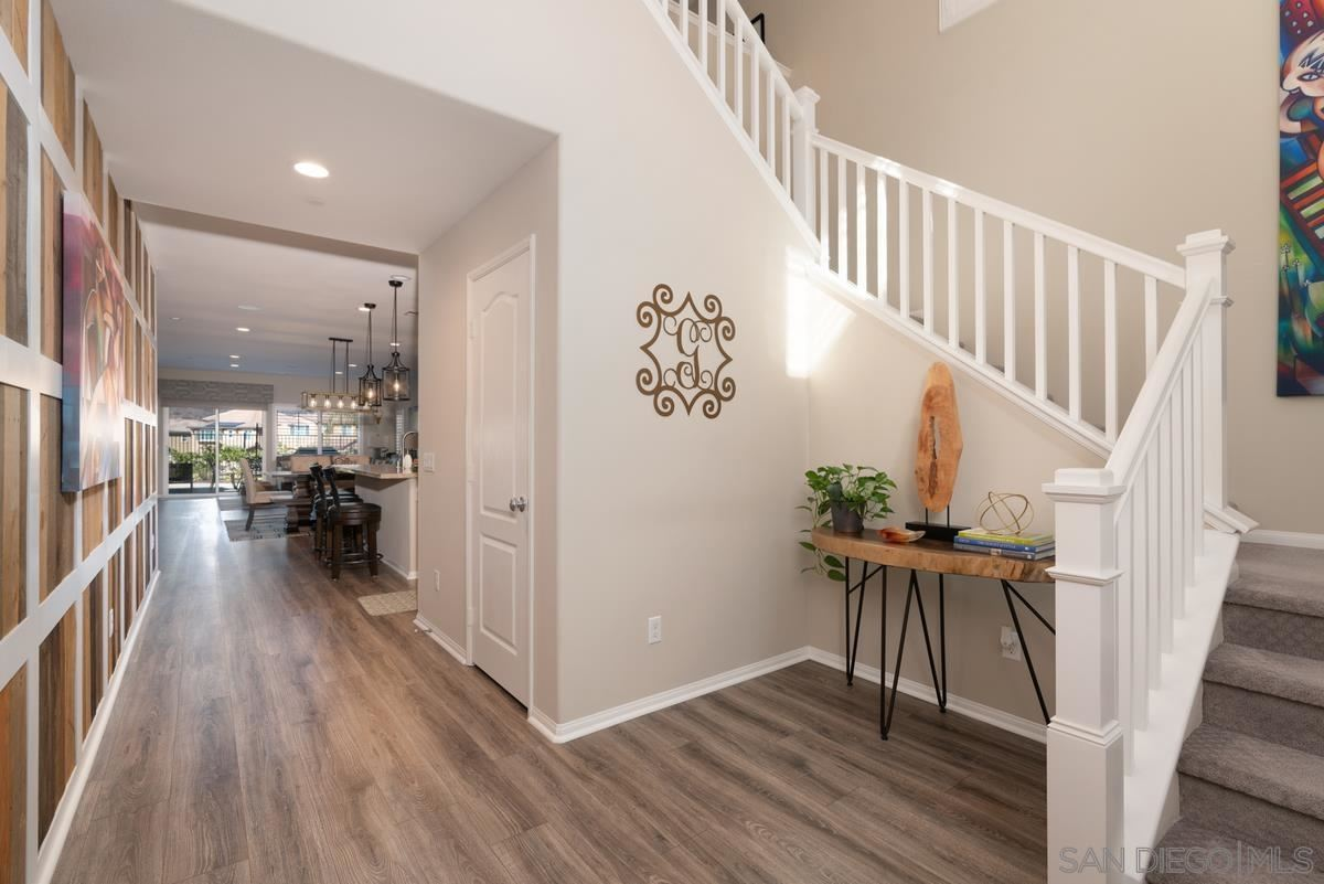 Photo of 309 Calabrese St, Fallbrook, CA 92028 (MLS # 210027698)