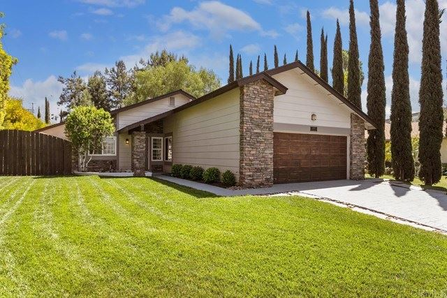 Photo of 1410 Autumn Woods Place, Escondido, CA 92029 (MLS # NDP2103698)