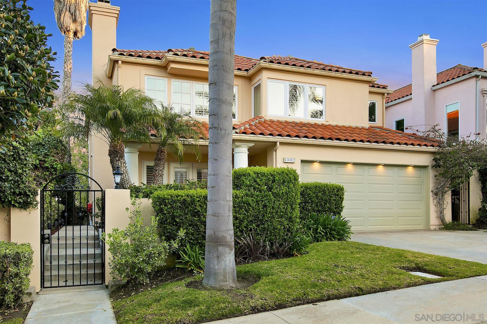 Photo of 13082 Caminito Pointe Del Mar, Del Mar, CA 92014 (MLS # 210006699)