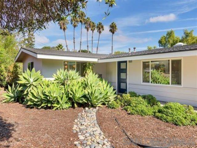 Photo of 418 Glencrest Drive, Solana Beach, CA 92075 (MLS # 200043703)