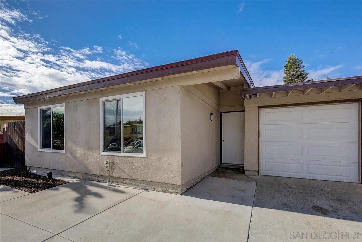 Photo of 900 Lemon Ave, Vista, CA 92084 (MLS # 210001703)