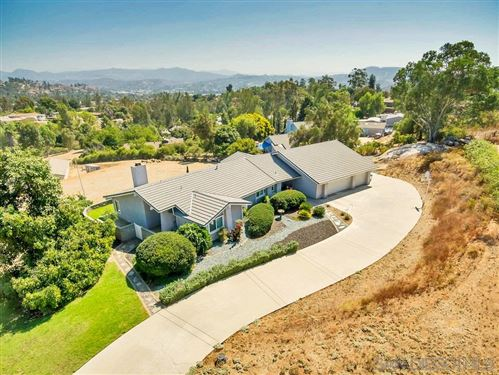 Photo of 11531 Alba Rosa Drive, Lakeside, CA 92040 (MLS # 200046717)