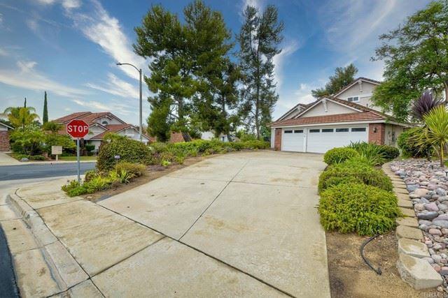 Photo of 1396 Beringer Ln, Vista, CA 92081 (MLS # NDP2108728)