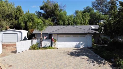 Photo of 302 Mercedes Rd, Fallbrook, CA 92028 (MLS # 200048734)