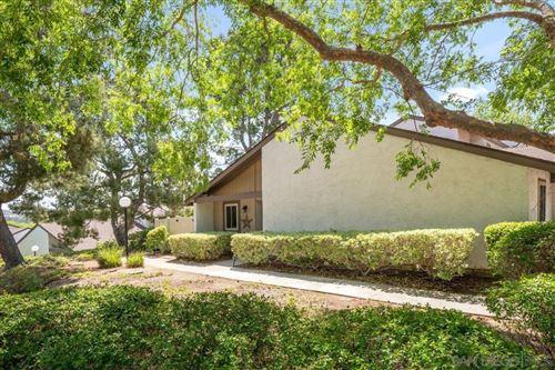 Photo of 329 Ranchwood Gln, Escondido, CA 92026 (MLS # 210012735)
