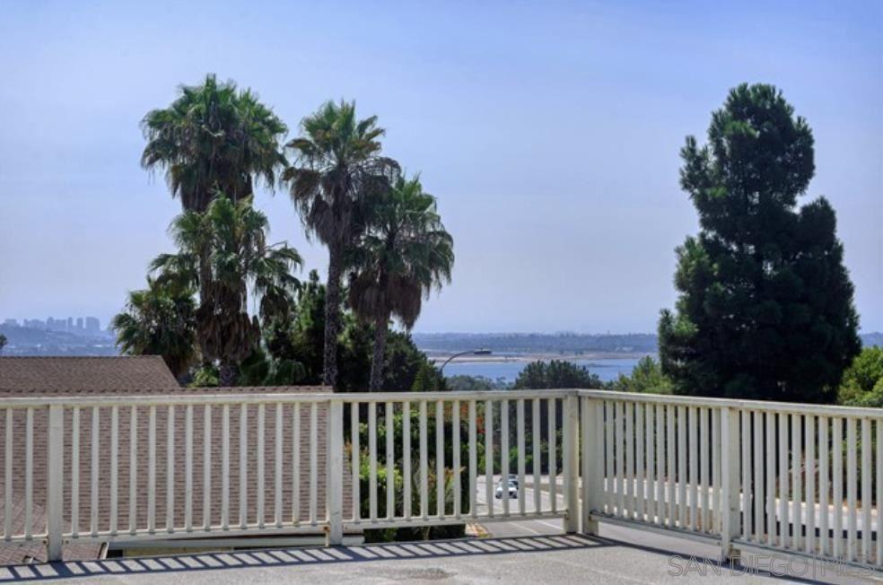 Photo of 5215 Soledad Mountain Rd, San Diego, CA 92109 (MLS # 210029735)