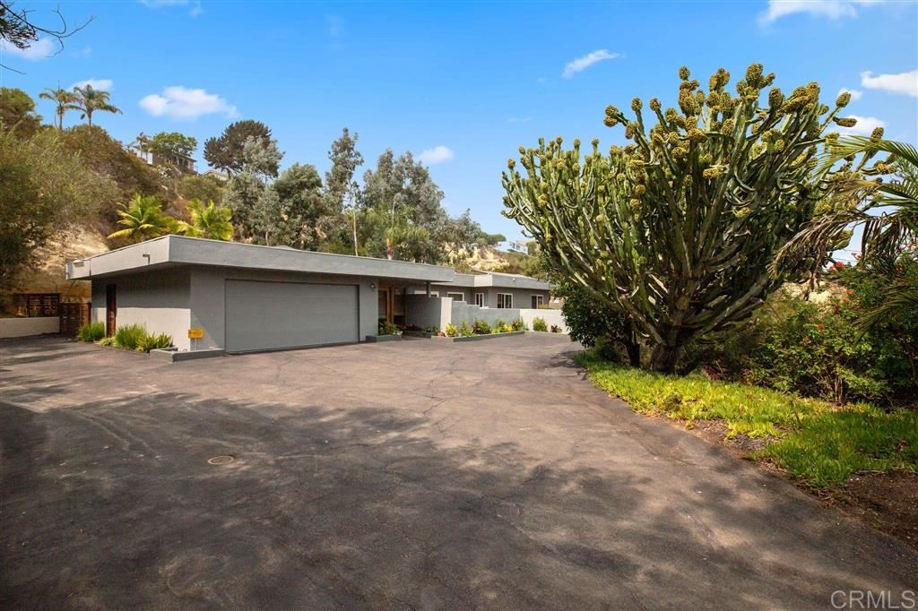 Photo of 2110 Woodwind Dr, Encinitas, CA 92024 (MLS # 200044743)