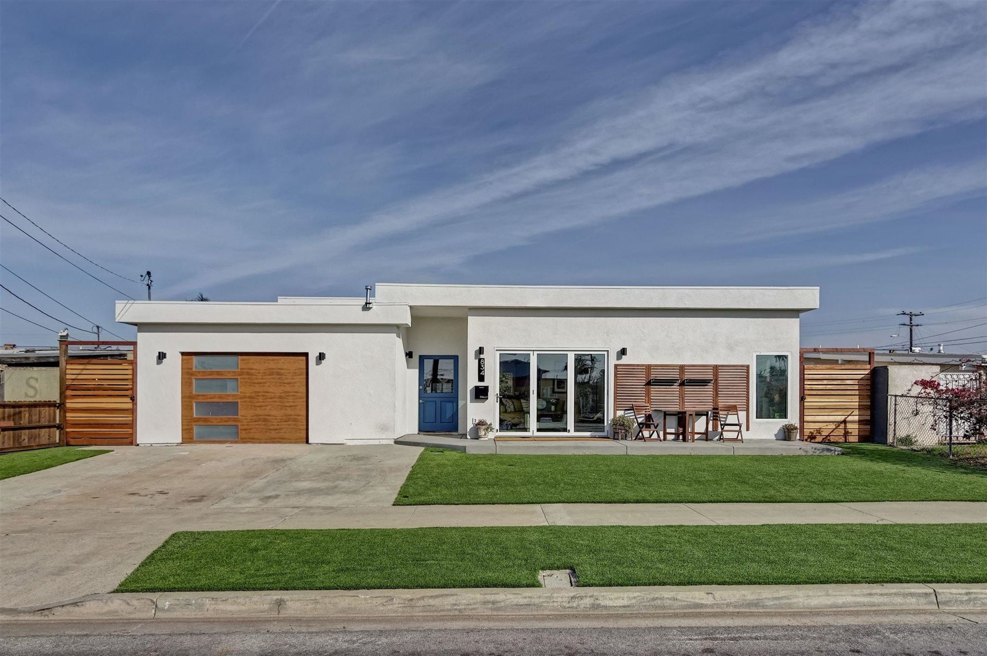 Photo of 834 Holly Ave, Imperial Beach, CA 91932 (MLS # 210018747)