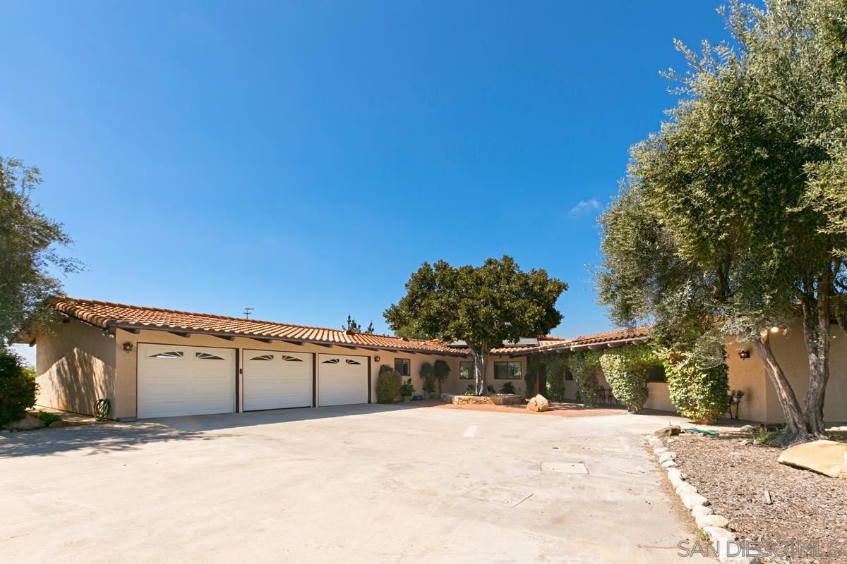 Photo of 27775 Burnt Mountain, Valley Center, CA 92082 (MLS # 210021749)