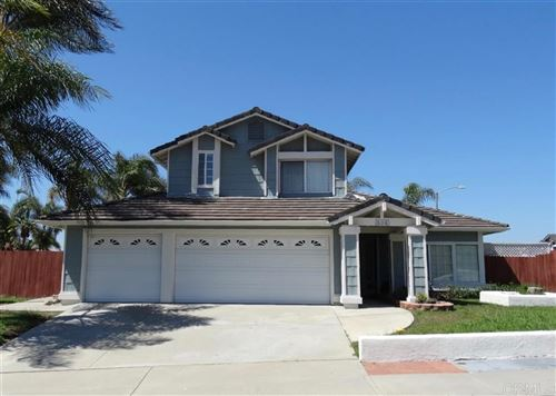 Photo of 924 Sagewood Dr, Oceanside, CA 92056 (MLS # 200004751)