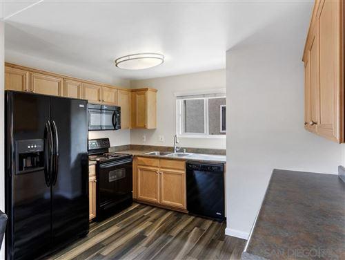 Photo of 2528 White Oak Pl #5, Escondido, CA 92027 (MLS # 200029756)