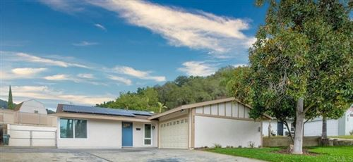 Photo of 3031 Hypoint, Escondido, CA 92027 (MLS # NDP2111756)
