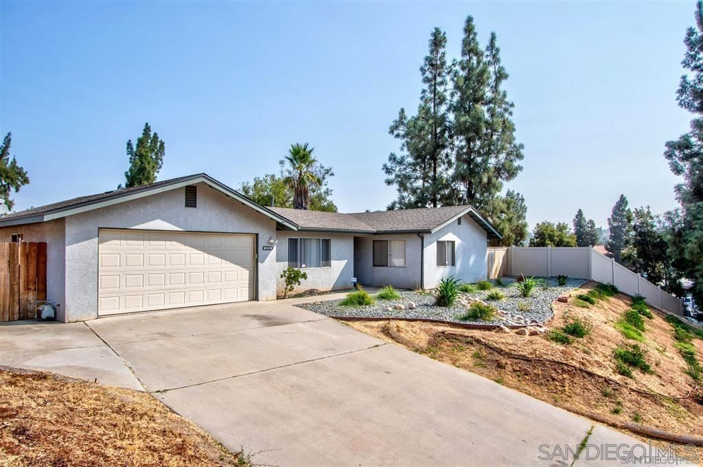 Photo of 11916 Rocky Home Dr, Lakeside, CA 92040 (MLS # 210025757)