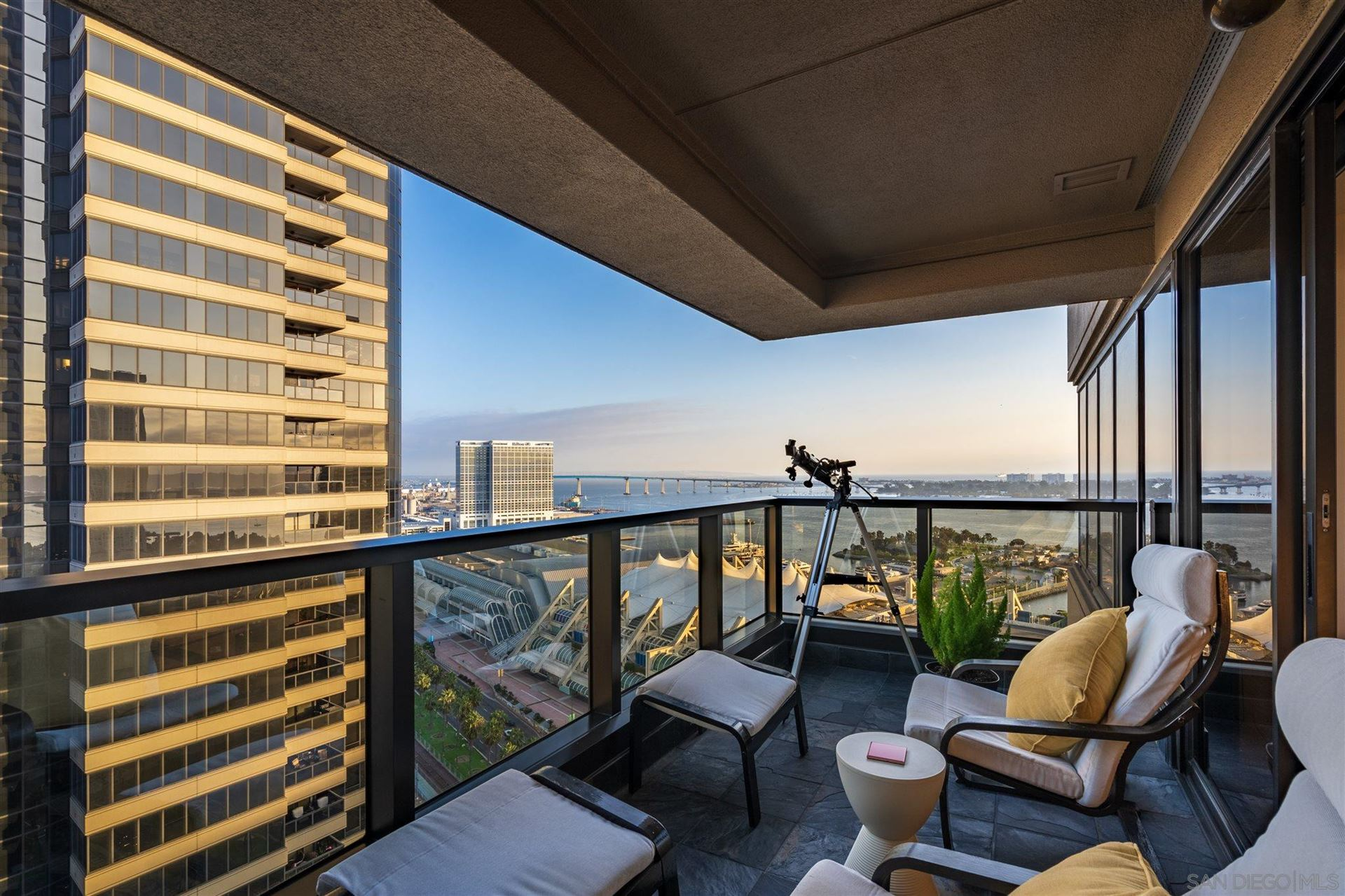 Photo for 100 Harbor Dr #2506, San Diego, CA 92101 (MLS # 200049759)