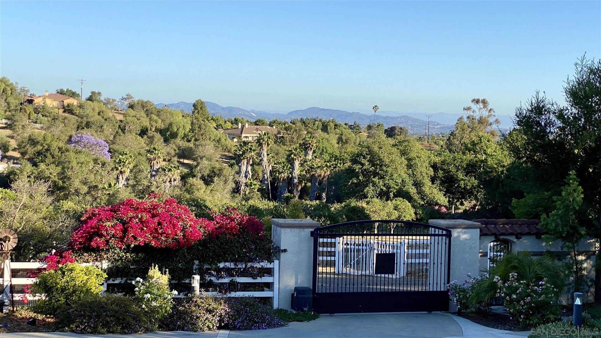 Photo of 3196 Los Alisos Drive, Fallbrook, CA 92028 (MLS # 210018759)