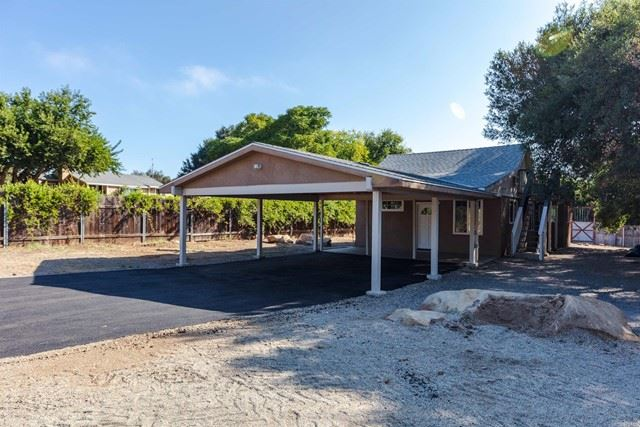 Photo of 28425 Lilac Rd, Valley Center, CA 92082 (MLS # NDP2110769)