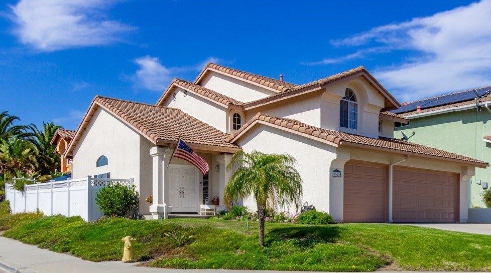 Photo of 1586 Dawson Drive, Vista, CA 92081 (MLS # 200029784)