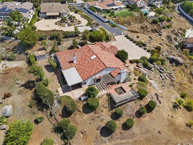 Photo of 3566 Avenida Amorosa, Escondido, CA 92029 (MLS # NDP2108784)