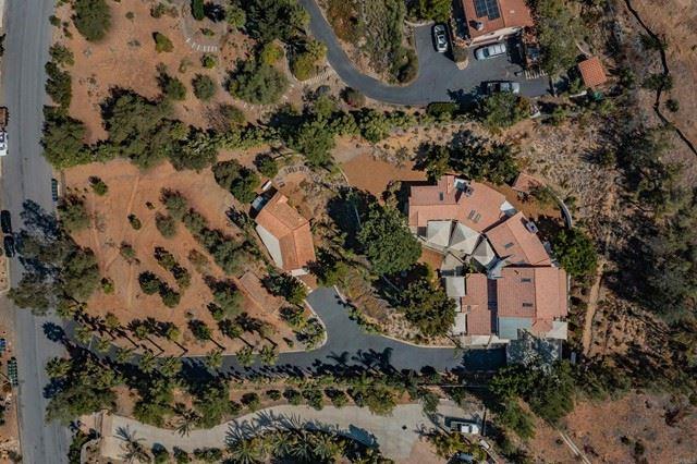 Photo of 1346 Sugarbush Drive, Vista, CA 92084 (MLS # NDP2110786)