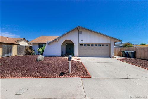 Photo of 1145 Beverly Way, Escondido, CA 92026 (MLS # 210020799)