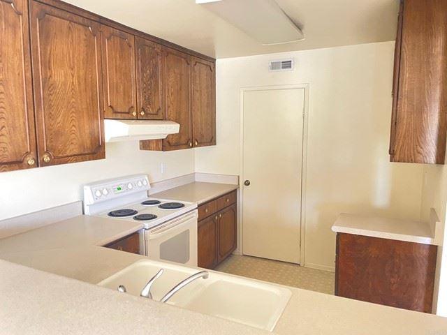 Photo of 525 SHADY BROOK Place, Escondido, CA 92026 (MLS # NDP2106799)
