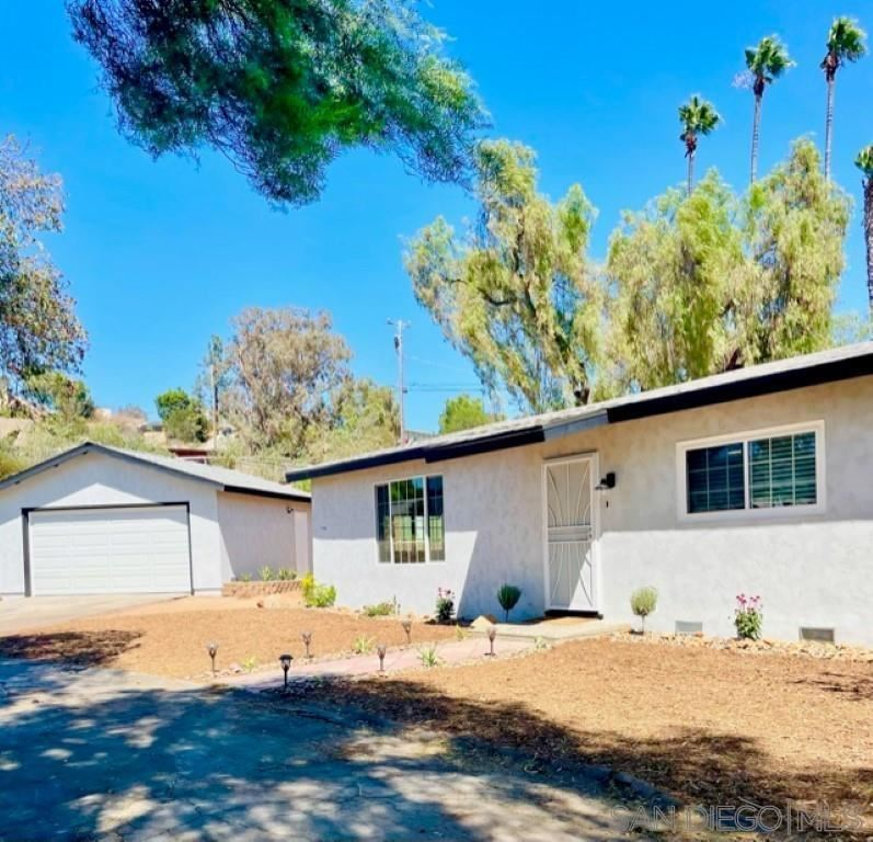 Photo of 11416 Eucalyptus Hills Drive, Lakeside, CA 92040 (MLS # 210025803)
